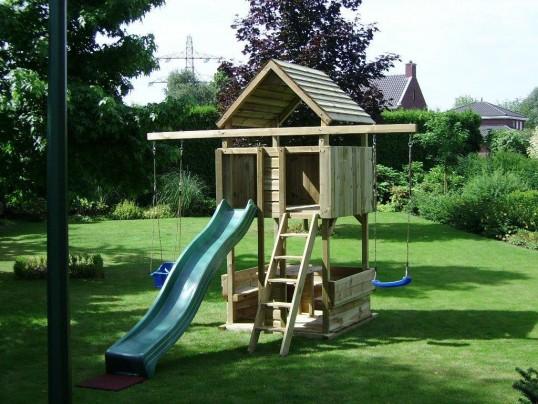 Spielturm Rundsitz mit schaukelpfost