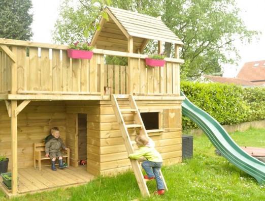 Spielturm Balkon mit extra große Rückwand Hinterseite